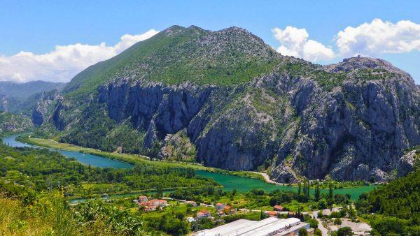 omis-apartments-zorka-big-beach
