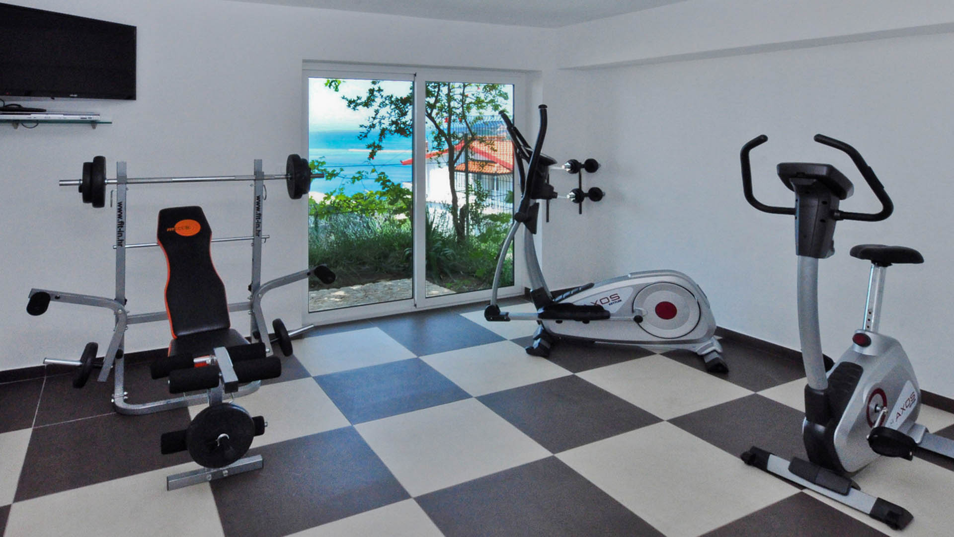 Deluxe Apartment gym