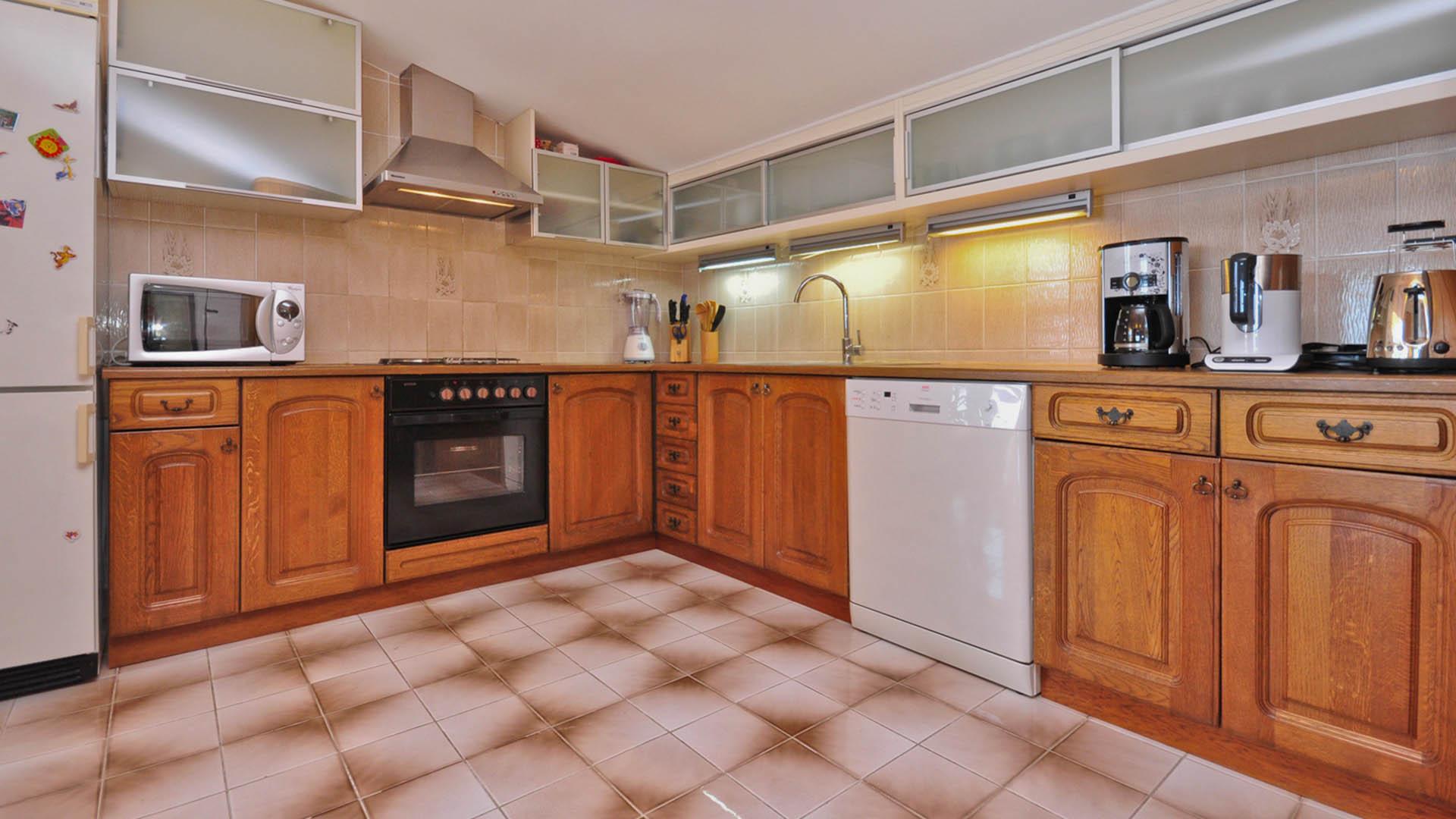 Omiš apartmani zorka deluxe apartman kuhinja