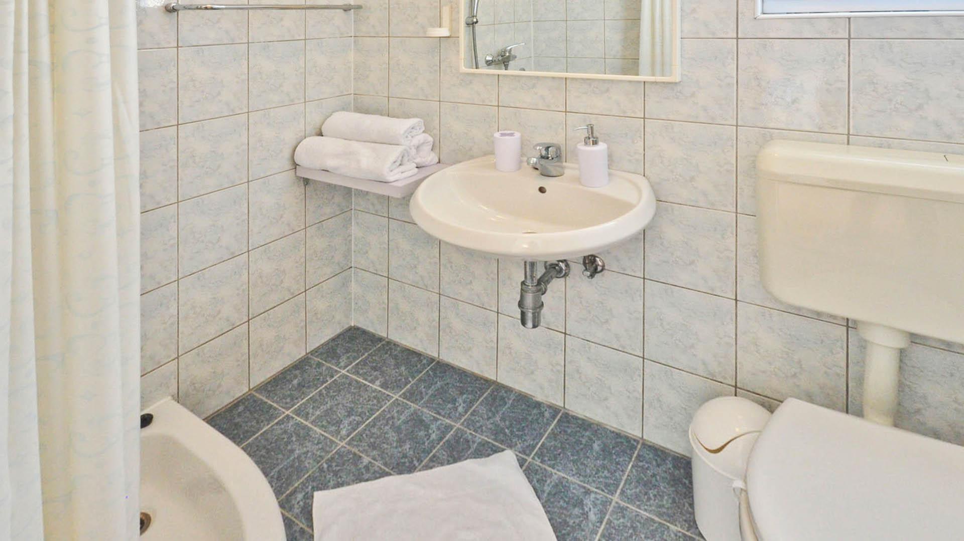 Omiš studio apartman kupaonica i wc